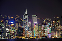 Chine, Hong Kong, Central la nuit vu depuis Kowloon // China, Hong Kong, Central by night from Kowloon