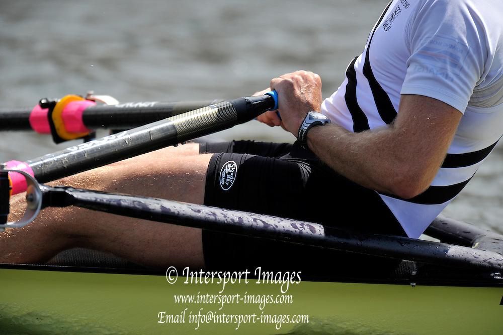 Henley, GREAT BRITAIN. Diamond Challenge Sculls, Mahe DRYSDALE, winning the 'Diamonds'.  2010 Henley Royal Regatta. 12:19:38, Sunday  04/07/2010 [Mandatory Credit: Peter Spurrier / Intersport-images] Rowing Courses, Henley Reach, Henley, ENGLAND . HRR.