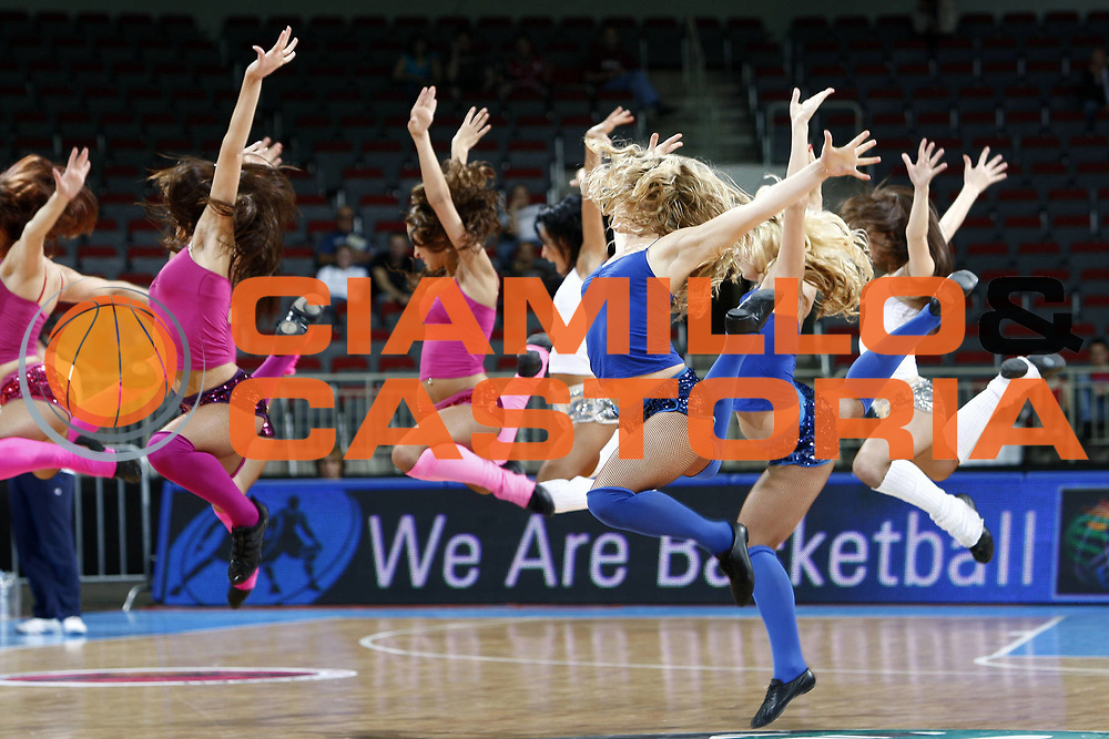 DESCRIZIONE : Riga Latvia Lettonia Eurobasket Women 2009 Qualifying Round Grecia Greece<br /> GIOCATORE : cheerleaders<br /> SQUADRA : Grecia Spagna Greece Spain<br /> EVENTO : Eurobasket Women 2009 Campionati Europei Donne 2009 <br /> GARA : Grecia Spagna Greece Spain<br /> DATA : 11/06/2009 <br /> CATEGORIA : <br /> SPORT : Pallacanestro <br /> AUTORE : Agenzia Ciamillo-Castoria/E.Castoria<br /> Galleria : Eurobasket Women 2009 <br /> Fotonotizia : Riga Latvia Lettonia Eurobasket Women 2009 Qualifying Round Grecia Spagna Greece Spain<br /> Predefinita :