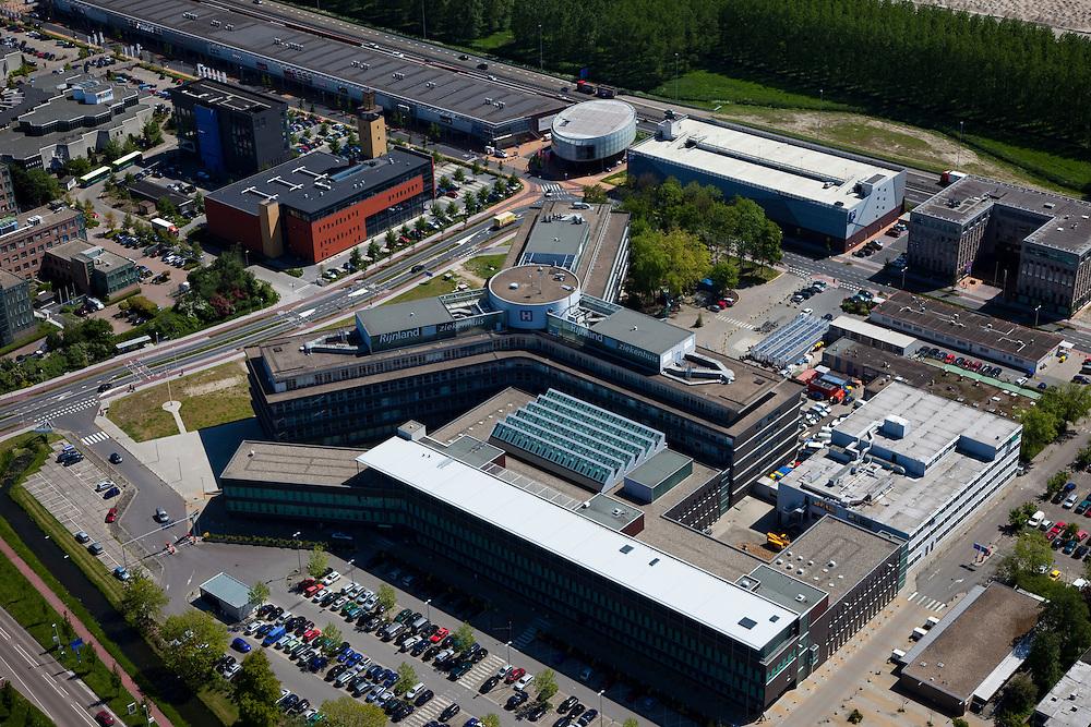 Nederland, Zuid-Holland, Leiderdorp, 12-05-2009; Rijnland Ziekenhuis, in de achtergrond de A4.Swart collectie, luchtfoto (toeslag); Swart Collection, aerial photo (additional fee required).foto Siebe Swart / photo Siebe Swart