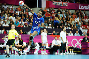 DESCRIZIONE : Handball Jeux Olympiques Londres Quart de Finale<br /> GIOCATORE : Dembele Siraba FRA<br /> SQUADRA : France Femme<br /> EVENTO : FRANCE Handball Jeux Olympiques<br /> GARA : France Montenegro<br /> DATA : 08 08 2012<br /> CATEGORIA : handball Jeux Olympiques<br /> SPORT : HANDBALL<br /> AUTORE : JF Molliere <br /> Galleria : France JEUX OLYMPIQUES 2012 Action<br /> Fotonotizia : France Handball Femme Jeux Olympiques Londres Quart de Finale Copper Box<br /> Predefinita :