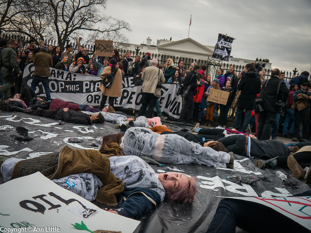 March 2, 2014, Washington, DC. Students from around the U.S. gathered in Washington, DC  to protest the proposed XL Oil Pipeline ©Ann Little/Alamy News