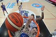 DESCRIZIONE : Trento Lega A 2015-16 Dolomiti Energia Trentino - Acqua Vitasnella Cantu<br /> GIOCATORE : Kyrylo Fedenko<br /> CATEGORIA : Schiacciata Special<br /> SQUADRA : Acqua Vitasnella Cantu<br /> EVENTO : Campionato Lega A 2015-2016 <br /> GARA : Dolomiti Energia Trentino - Acqua Vitasnella Cantu<br /> DATA : 10/04/2016<br /> SPORT : Pallacanestro <br /> AUTORE : Agenzia Ciamillo-Castoria/M.Gregolin<br /> Galleria : Lega Basket A 2015-2016  <br /> Fotonotizia :  Trento Lega A 2015-16 Dolomiti Energia Trentino - Acqua Vitasnella Cantu