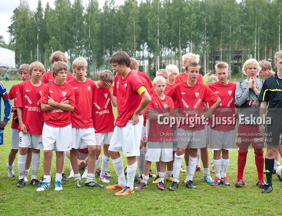 KäPa tappion jälkeen.  HJK - KäPa/United. Premier Cup. Finaali. Pajulahti 14.8.2011. Photo: Jussi Eskola