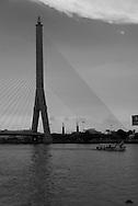 Thailand. Bangkok. On Chao Phraya river/ Sur le fleuve Chao Phraya