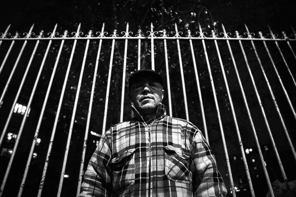 Vincent vit dans un tunnel du nord-est de Paris depuis plus de cinq ans.