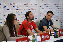 11.06.2015, Stadion Poljud, Split, CRO, UEFA Euro 2016 Qualifikation, Kroatien vs Italien, Gruppe H, Pressekonferenz Kroatien, im Bild Coach of the Croatian national football team Niko Kovac, and captain Darijo Srna // during press conference of Team Croatia prior to the UEFA EURO 2016 qualifier group H match between Croatia and and Italy at the Stadion Poljud in Split, Croatia on 2015/06/11. EXPA Pictures © 2015, PhotoCredit: EXPA/ Pixsell/ Ivo Cagalj<br /> <br /> *****ATTENTION - for AUT, SLO, SUI, SWE, ITA, FRA only*****