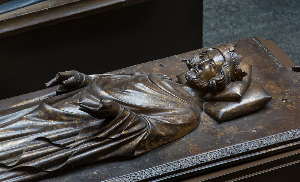 Art from Victoria and Albert Museum<br /> Plaster cast, from an original gilt bronze effigy of King Henry III of England (1206-72), by William Torel, ca. 1292, in the Confessor's Chapel, Westminster Abbey, London, cast by Titus Giuseppe Formilli, 1911.