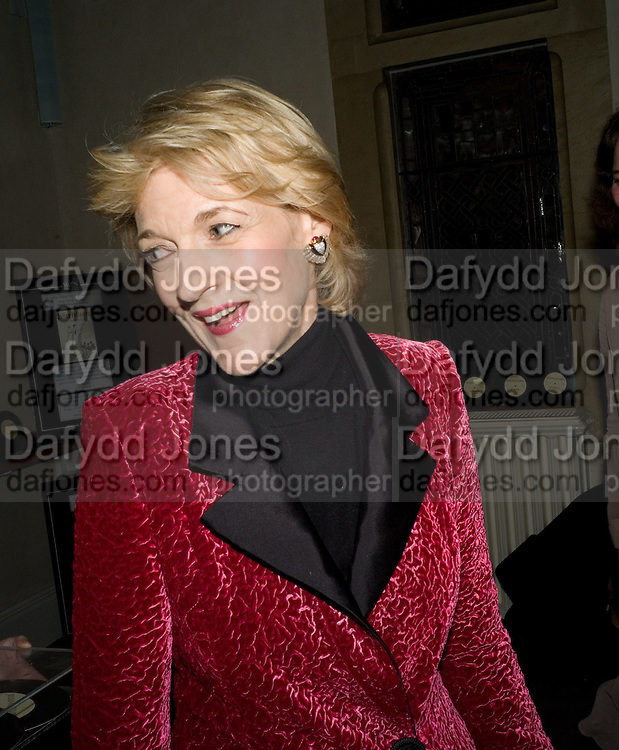 FIONA SHACKLETON, Book launch for the book by Julian Fellowes 'Past Imperfect.' Cadogan Hall. Sloane Terrace. London. 4 November 2008 *** Local Caption *** -DO NOT ARCHIVE -Copyright Photograph by Dafydd Jones. 248 Clapham Rd. London SW9 0PZ. Tel 0207 820 0771. www.dafjones.com
