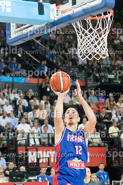 06.09.2015, Park Suites Arena, Montpellier, FRA, Bosnien und Herzegowina vs Frankreich, Gruppe A, im Bild NANDO DE COLO (12) // during the FIBA Eurobasket 2015, group A match between Bosnia an Herzegowina and France at the Park Suites Arena in Montpellier, France on 2015/09/06. EXPA Pictures &copy; 2015, PhotoCredit: EXPA/ Newspix/ Pawel Pietranik<br /> <br /> *****ATTENTION - for AUT, SLO, CRO, SRB, BIH, MAZ, TUR, SUI, SWE only*****