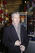 Richard Kay, Cirque de Soleil Premiere of Alegr'a. Royal Albert Hall. London. 5 January 2006.  -DO NOT ARCHIVE-© Copyright Photograph by Dafydd Jones. 248 Clapham Rd. London SW9 0PZ. Tel 0207 820 0771. www.dafjones.com.
