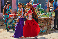 Inde, Gujarat, Kutch, village de Padhar, population Ahir // India, Gujarat, Kutch, Padhar village, Ahir ethnic group