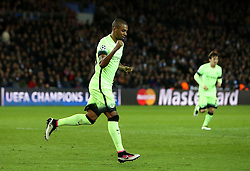 Fernandinho of Manchester City celebrates his goal - Mandatory by-line: Robbie Stephenson/JMP - 06/04/2016 - FOOTBALL - Parc des Princes - Paris,  - Paris Saint-Germain v Manchester City - UEFA Champions League Quarter Finals First Leg