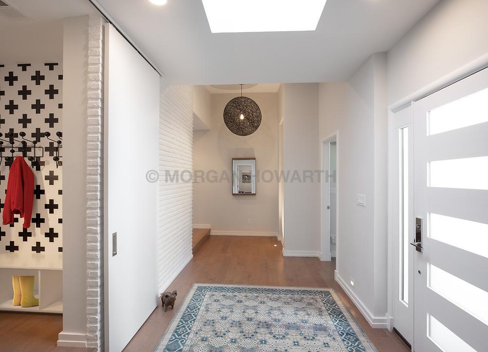 3553 Nelly Curtis Modern Home foyer VA 2-174-303