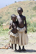 Africa, Ethiopia, Lalibela, 2 young children on the road side