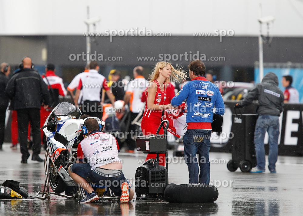 28.06.2014, TT Circuit, Assen, NED, MotoGP, Assen, im Bild vor dem Start kam der grosse Regen bei der Moto2 // during the MotoGP Iveco TT Assen at the TT Circuit in Assen, Netherlands on 2014/06/28. EXPA Pictures &copy; 2014, PhotoCredit: EXPA/ Eibner-Pressefoto/ FOTO-SPO_AG<br /> <br /> *****ATTENTION - OUT of GER*****