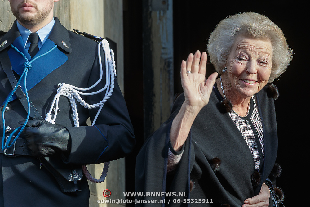 NLD/Amsterdam/20190115 - Koninklijke nieuwjaarsontvangst Nederlandse genodigden, aankomst Beatrix
