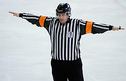Razveljavitev. Wash out. Slovenski hokejski sodnik Damir Rakovic predstavlja sodniske znake. Na Bledu, 15. marec 2009. (Photo by Vid Ponikvar / Sportida)