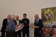 "40° Giro del Trentino Melinda, momento Giesse  I protagonisti del ""Giessegi Moments"". Da sinistra: Willy De Bosscher, Giacomo Santini, Roger De Vlaeminck e Simone Fraccaro.Arco 19 Aprile 2016 © foto Daniele Mosna"