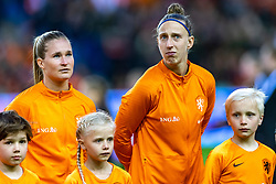 05-04-2019 NED: Netherlands - Mexico, Arnhem<br /> Friendly match in GelreDome Arnhem. Netherlands win 2-0 / Desiree van Lunteren #2 of The Netherlands, goalkeeper Sari van Veenendaal #1 of The Netherlands
