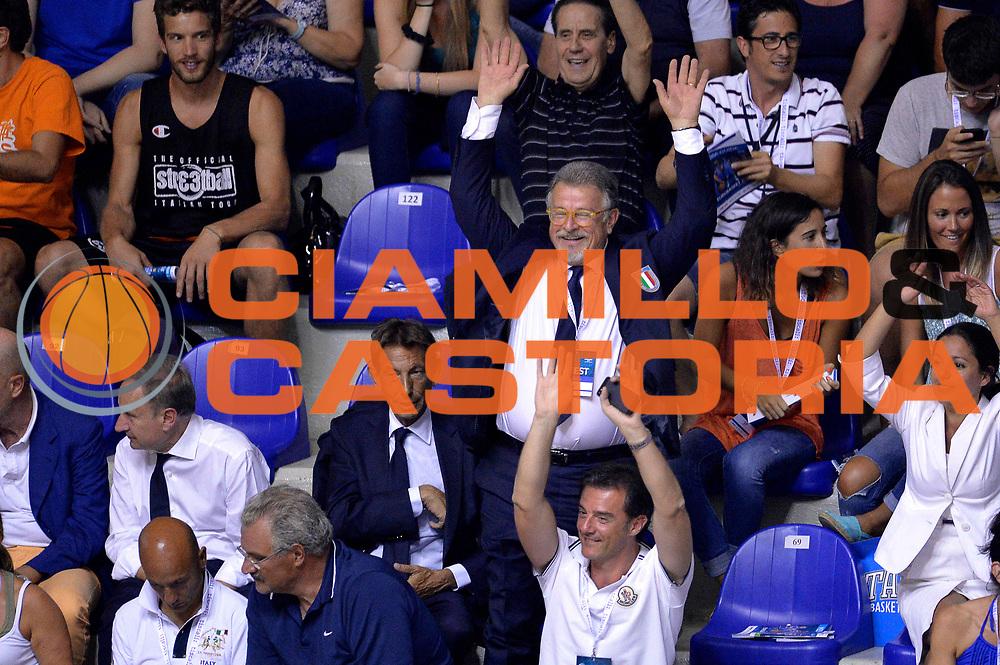 DESCRIZIONE : Cagliari Qualificazione Eurobasket 2015 Qualifying Round Eurobasket 2015 Italia Svizzera Italy Switzerland<br /> GIOCATORE : Claudio Silvestri Romeo Sacchetti<br /> CATEGORIA : Vip Curiosita<br /> EVENTO : Cagliari Qualificazione Eurobasket 2015 Qualifying Round Eurobasket 2015 Italia Svizzera Italy Switzerland<br /> GARA : Italia Svizzera Italy Switzerland<br /> DATA : 17/08/2014<br /> SPORT : Pallacanestro<br /> AUTORE : Agenzia Ciamillo-Castoria/Max.Ceretti<br /> Galleria: Fip Nazionali 2014<br /> Fotonotizia: Cagliari Qualificazione Eurobasket 2015 Qualifying Round Eurobasket 2015 Italia Svizzera Italy Switzerland<br /> Predefinita :