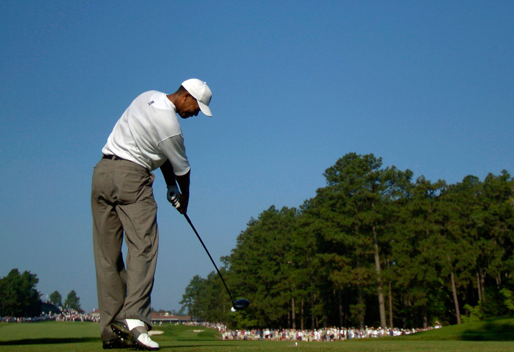 PINEHURST, NORTH CAROLINA - JUNE 15, 2005<br /> Tiger WOODS during the Wednesday practice round of the 2005 U.S. Open Championship, held at Pinehurst No.2 in the Village of Pinehurst, North Carolina.