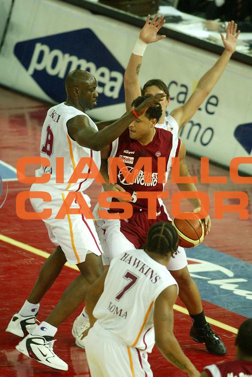 DESCRIZIONE : Roma Lega A1 2005-06 Lottomatica Virtus Roma Basket Livorno <br /> GIOCATORE : Troutman <br /> SQUADRA : Basket Livorno <br /> EVENTO : Campionato Lega A1 2005-2006 <br /> GARA : Lottomatica Virtus Roma Basket Livorno <br /> DATA : 04/02/2006 <br /> CATEGORIA : Penetrazione <br /> SPORT : Pallacanestro <br /> AUTORE : Agenzia Ciamillo-Castoria/G.Ciamillo