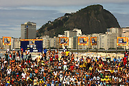 Football-FIFA Beach Soccer World Cup 2006 - Group A- Brazil - Japan, Beachsoccer World Cup 2006. Beach Soccer's fans   - Rio de Janeiro - Brazil 05/11/2006. Mandatory credit: FIFA/ Manuel Queimadelos