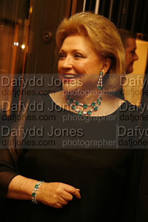 Barbara Taylor Bradford, Party celebrating publication of: The Ravenscar Dynasty by Barbara Taylor Bradford,  Moussaieff, 172 Bond Street, London,  -DO NOT ARCHIVE-© Copyright Photograph by Dafydd Jones 66 Stockwell Park Rd. London SW9 0DA Tel 020 7733 0108 www.dafjones.com