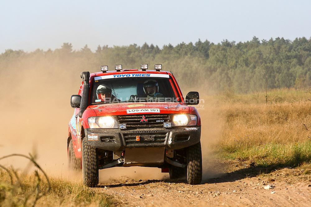 GORM 24h Rennen (2012)<br /> Bei der h&auml;rtesten Rallye Deutschlands m&uuml;ssen die Teams sich und ihre Fahrzeuge bis ans Limit bringen um auf dem harten und sehr abwechslungsreichen 17km Rundkurs zu &uuml;berleben.<br /> Die Sieger schaffen &uuml;ber 1300km aber es die sind harte Arbeit.