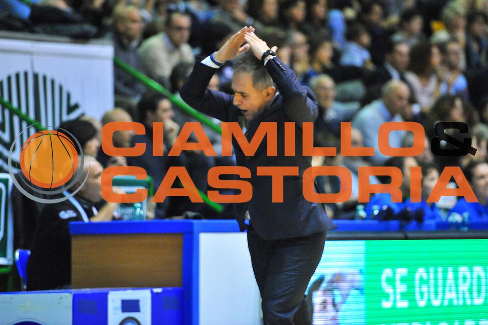 DESCRIZIONE : Campionato 2013/14 Dinamo Banco di Sardegna Sassari - Montepaschi Siena<br /> GIOCATORE : Marco Crespi<br /> CATEGORIA : Allenatore Coach<br /> SQUADRA : Montepaschi Siena<br /> EVENTO : LegaBasket Serie A Beko 2013/2014<br /> GARA : Dinamo Banco di Sardegna Sassari - Montepaschi Siena<br /> DATA : 22/12/2013<br /> SPORT : Pallacanestro <br /> AUTORE : Agenzia Ciamillo-Castoria / Luigi Canu<br /> Galleria : LegaBasket Serie A Beko 2013/2014<br /> Fotonotizia : Campionato 2013/14 Dinamo Banco di Sardegna Sassari - Montepaschi Siena<br /> Predefinita :
