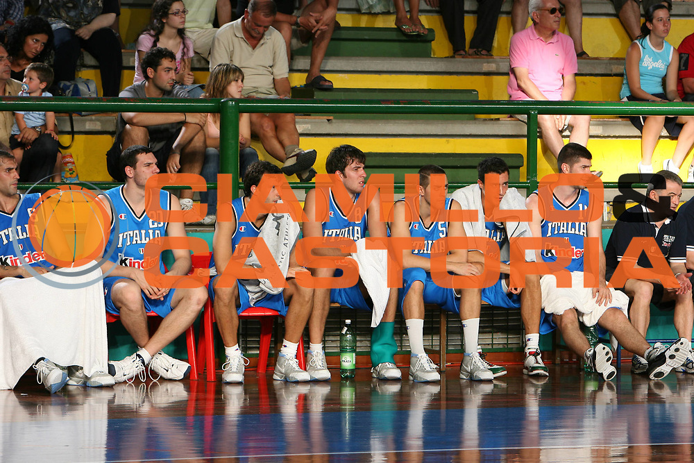 DESCRIZIONE : San Benedetto del Tronto Torneo Internazionale dell'Adriatico Italia-Francia Italy-France<br /> GIOCATORE : Bench Panchina<br /> SQUADRA : Italy Italia<br /> EVENTO : San Benedetto del Tronto Torneo Internazionale dell'Adriatico Italia-Francia<br /> GARA : Italia Francia Italy France<br /> DATA : 01/07/2006 <br /> CATEGORIA : <br /> SPORT : Pallacanestro <br /> AUTORE : Agenzia Ciamillo-Castoria/M.Cacciaguerra