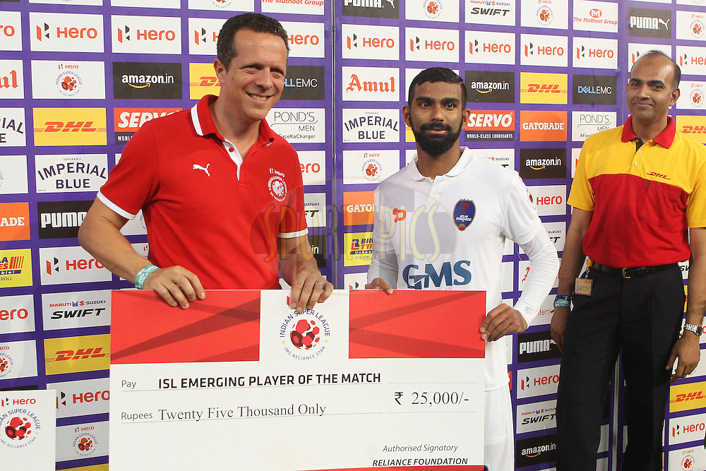 Kean Francis Lewis of Delhi Dynamos FC receives the ISL emerging player of the match award  during match 6 of the Indian Super League (ISL) season 3 between Chennaiyin FC and Delhi Dynamos FC held at the Jawaharlal Nehru Stadium in Chennai, India on the 6th October 2016.<br /> <br /> Photo by Ron Gaunt / ISL/ SPORTZPICS