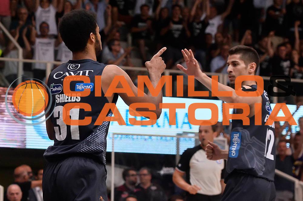 Shields Shavon Flaccadori Diego<br /> Dolomiti Energia Aquila Basket Trento - Umana Reyer Venezia<br /> Playoff Gara 4<br /> Lega Basket 2016/2017<br /> Trento 16/06/2017<br /> Foto Ciamillo-Castoria