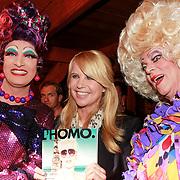 NLD/Volendam/20130423 - Presentatie L' Homo 2013, Linda de Mol en 2 travestieten