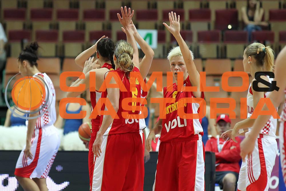DESCRIZIONE : Katowice Poland Polonia Eurobasket Women 2011 Round 2 Croazia Montenegro Croatia Montenegro<br /> GIOCATORE : Jelena Skerovic Anna De Forge<br /> SQUADRA : Montenegro<br /> EVENTO : Eurobasket Women 2011 Campionati Europei Donne 2011<br /> GARA : Croazia Montenegro Croatia Montenegro<br /> DATA : 22/06/2011<br /> CATEGORIA : <br /> SPORT : Pallacanestro <br /> AUTORE : Agenzia Ciamillo-Castoria/E.Castoria<br /> Galleria : Eurobasket Women 2011<br /> Fotonotizia : Katowice Poland Polonia Eurobasket Women 2011 Round 2 Croazia Montenegro Croatia Montenegro<br /> Predefinita :