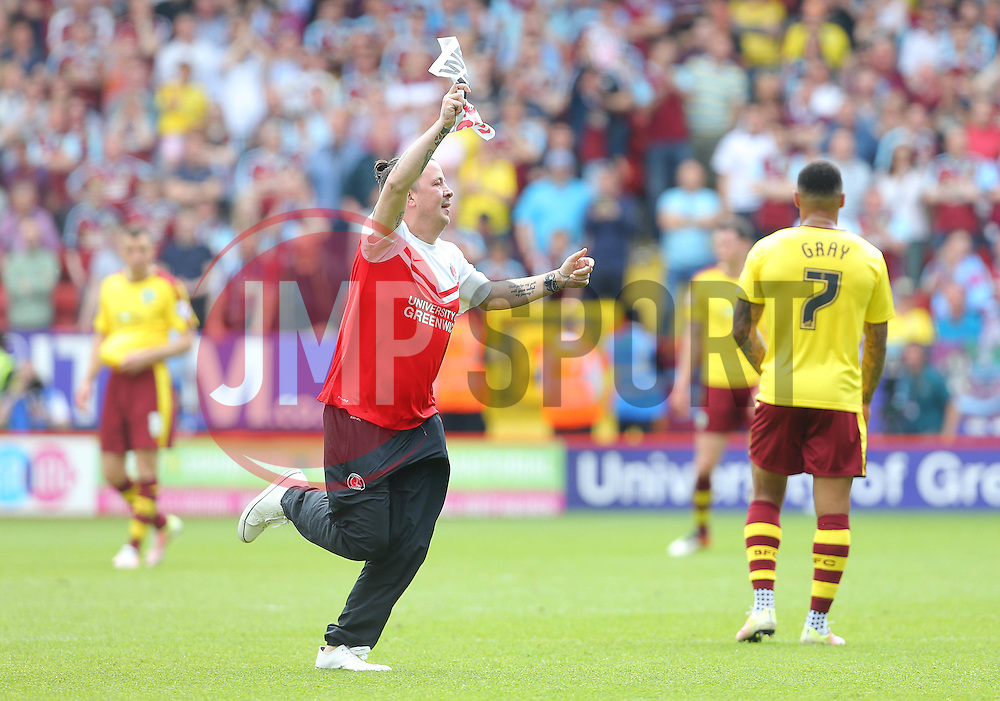 A Charlton fan runs on the pitch during the game - Mandatory by-line: Paul Terry/JMP - 07/05/2016 - FOOTBALL - The Valley - London, England - Charlton Athletic v Burnley - Sky Bet Championship