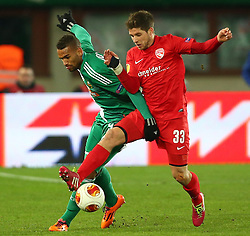 28.11.2013, Ernst Happel Stadion, Wien, AUT, UEFA Europa League, SK Rapid Wien vs FC Thun, Gruppe G, im Bild Terrence Boyd, (SK Rapid Wien, #9) und Benjamin Luethi, (FC Thun, #33) // during a UEFA Europa League group G game between SK Rapid Vienna and FC Thun at the Ernst Happel Stadion, Wien, Austria on 2013/11/28. EXPA Pictures © 2013, PhotoCredit: EXPA/ Thomas Haumer