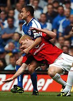 Dennis Wise Millwall gets to grips with Paul Scholes Manchester United<br />