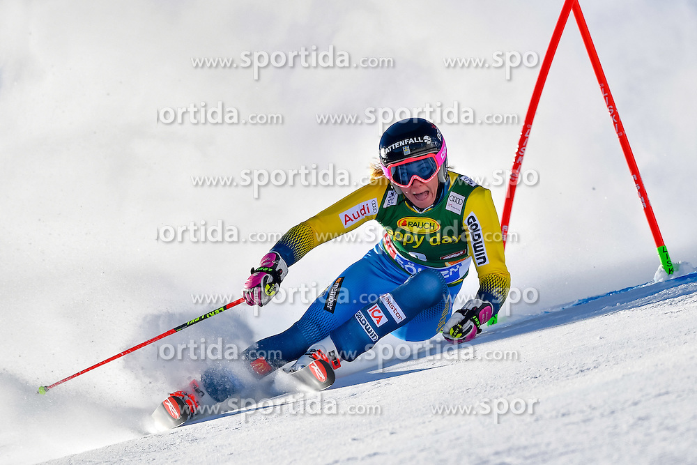 22.10.2016, Rettenbachferner, Soelden, AUT, FIS Weltcup Ski Alpin, Soelden, Riesenslalom, Damen, 1. Durchgang, im Bild Frida Hansdotter (SWE) // Frida Hansdotter of Sweden in action during 1st run of ladies Giant Slalom of the FIS Ski Alpine Worldcup opening at the Rettenbachferner in Soelden, Austria on 2016/10/22. EXPA Pictures &copy; 2016, PhotoCredit: EXPA/ Nisse Schmid<br /> <br /> *****ATTENTION - OUT of SWE*****