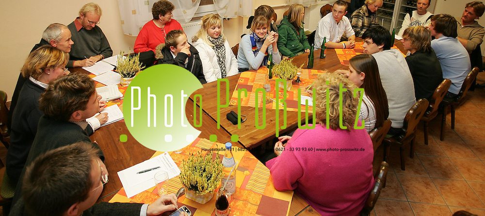 Mannheim. Wallstadt. Jugendkonferenz des SPD OV Wallstadt in den R&auml;umen des IWV im Alten Rathaus<br /> <br /> Bild: Markus Pro&szlig;witz<br /> ++++ Archivbilder und weitere Motive finden Sie auch in unserem OnlineArchiv. www.masterpress.org ++++