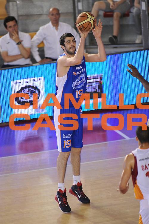 DESCRIZIONE : Roma Lega A 2014-15 <br /> Acea Virtus Roma - Acqua Vitasnella Cantu<br /> GIOCATORE : Giorgi Shermadini <br /> CATEGORIA : tiro  <br /> SQUADRA : Acqua Vitasnella Cantu<br /> EVENTO : Campionato Lega A 2014-2015 <br /> GARA : Acea Virtus Roma - Acqua Vitasnella Cantu<br /> DATA : 10/05/2015<br /> SPORT : Pallacanestro <br /> AUTORE : Agenzia Ciamillo-Castoria/N. Dalla Mura<br /> Galleria : Lega Basket A 2014-2015  <br /> Fotonotizia : Roma Lega A 2014-15 Acea Virtus Roma - Acqua Vitasnella Cantu