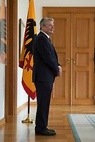 04 JUN 2012, BERLIN/GERMANY:<br /> Joachim Gauck, Bundespraesident, Empfang der Augsburger Domsingknaben als Abschluss einer Konzertreise, Schloss Bellevue<br /> IMAGE: 20120604-01-006