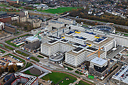 Nederland, Limburg, Maastricht, 15-11-2010;.Het terrein van het Academisch Ziekenhuis met rijksweg A2 boven in beeld, The site of the Academic Hospital Maastricht. Roadway A2 top..luchtfoto (toeslag), aerial photo (additional fee required).foto/photo Siebe Swart