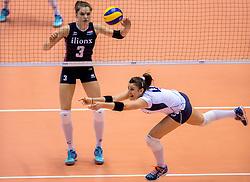 20-05-2016 JAP: OKT Italie - Nederland, Tokio<br /> De Nederlandse volleybalsters hebben een klinkende 3-0 overwinning geboekt op Italië, dat bij het OKT in Japan nog ongeslagen was. Het met veel zelfvertrouwen spelende Oranje zegevierde met 25-21, 25-21 en 25-14 / Yvon Belien #3, Alessia Orro #4 of Italie