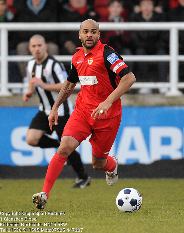 LEON MCKENZIE, KETTERING TOWN, Kettering Town v Bath City, Blue Square Premier, Nene Park, Saturday 17th December 2011