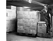 05/09/1961<br /> 09/05/1961<br /> 05 September 1961<br /> Special for Blackwood Hodge lifting machinery.Pallet jack at Guinness Brewery, St. James's Gate, Dublin.