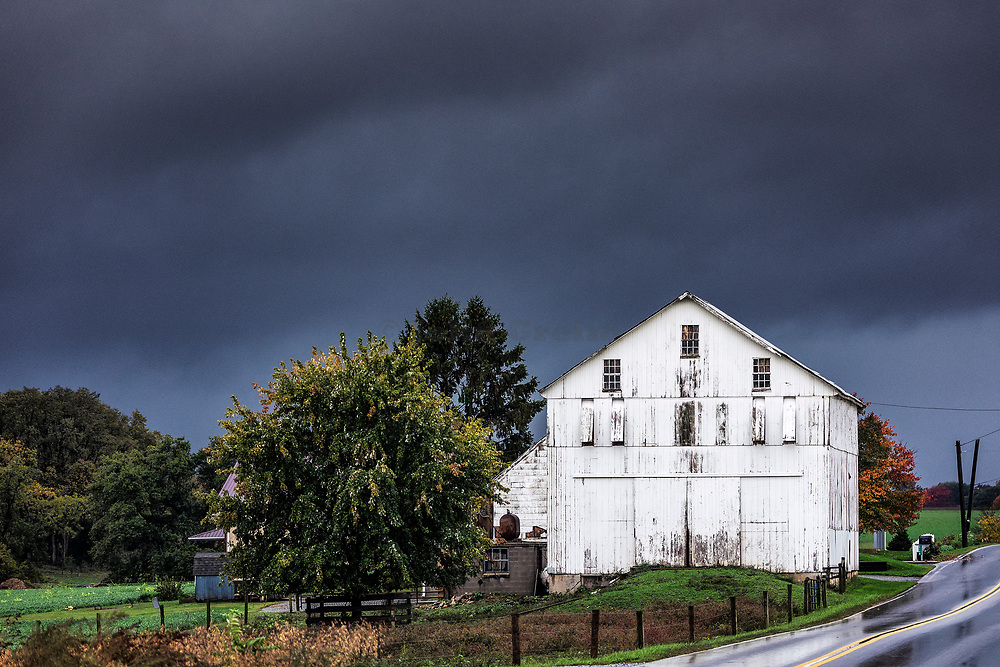 Pending storm in rural Lancaster County, Strasburg, Pennsylvania, USA.