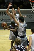DESCRIZIONE : Bologna Lega A1 2006-07 Playoff Quarti di Finale Gara 5 VidiVici Virtus Bologna Angelico Biella <br /> GIOCATORE : Penetratore Raddoppiato<br /> SQUADRA : Angelico Biella <br /> EVENTO : Campionato Lega A1 2006-2007 Playoff Quarti di Finale Gara 5 <br /> GARA : VidiVici Virtus Bologna Angelico Biella <br /> DATA : 27/05/2007 <br /> CATEGORIA : <br /> SPORT : Pallacanestro <br /> AUTORE : Agenzia Ciamillo-Castoria/G.Ciamillo