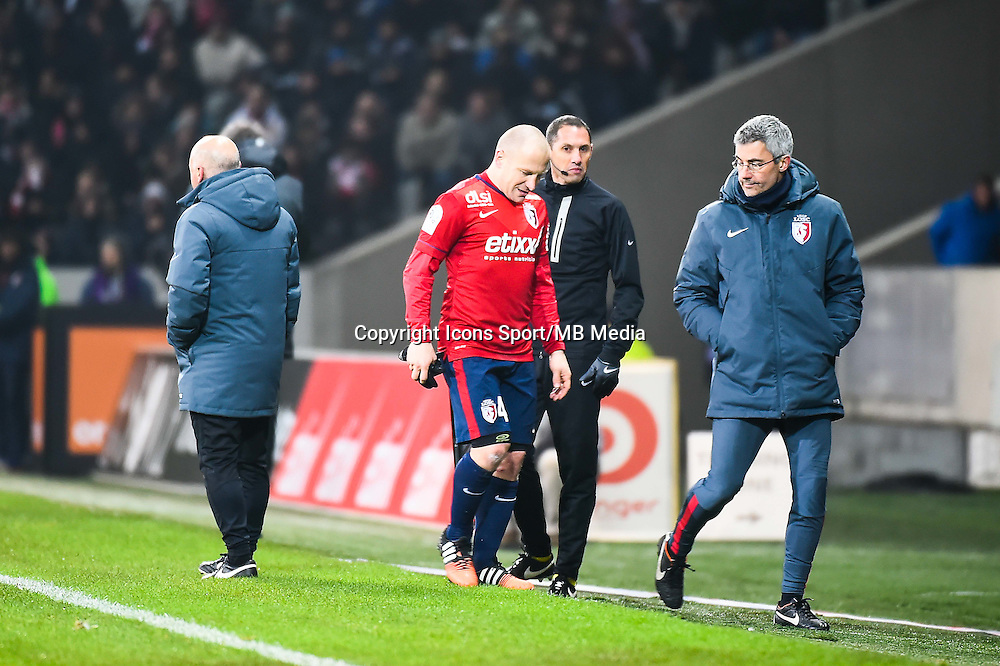 Blessure Florent BALMONT - 03.12.2014 - Lille / Paris Saint Germain - 16eme journee de Ligue 1 -<br />